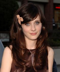 http://www.givemebackmyfivebucks.com/wp-content/uploads/2010/03/zooey-deschanel-flower-in-hair.jpg